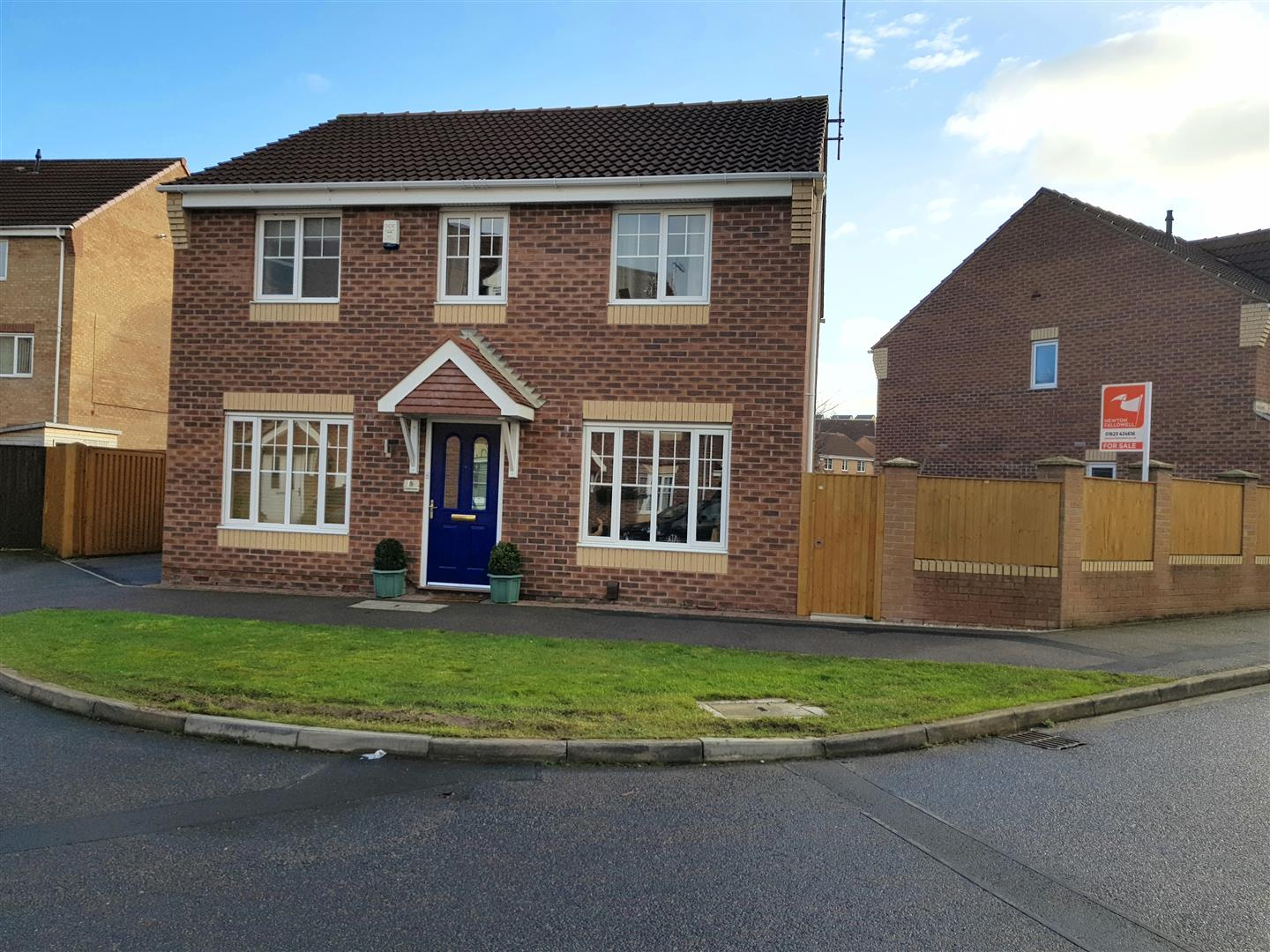 4 Bedrooms Detached House for sale in Curbar Close, Mansfield